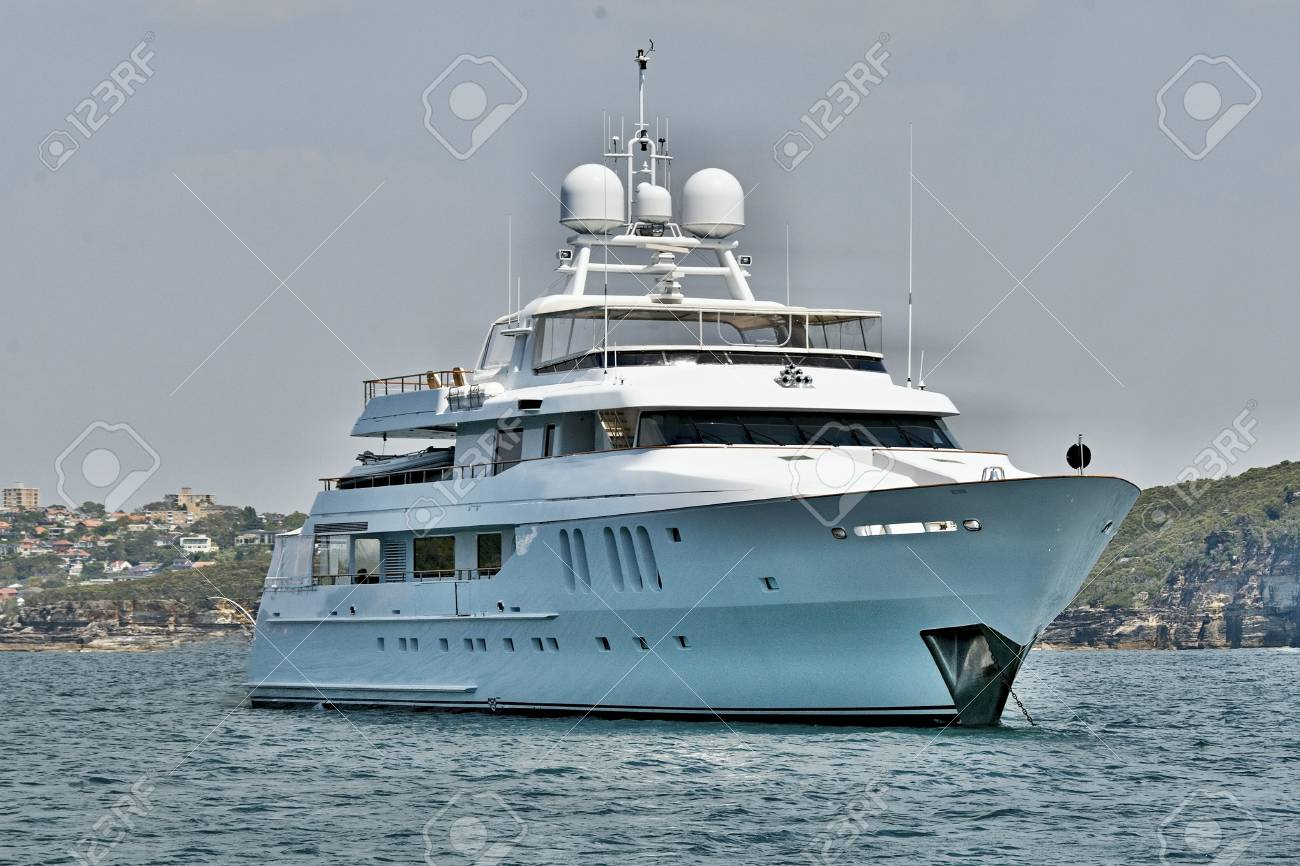 Hire Luxury Boats And Yachts in Sydney For Great Fun